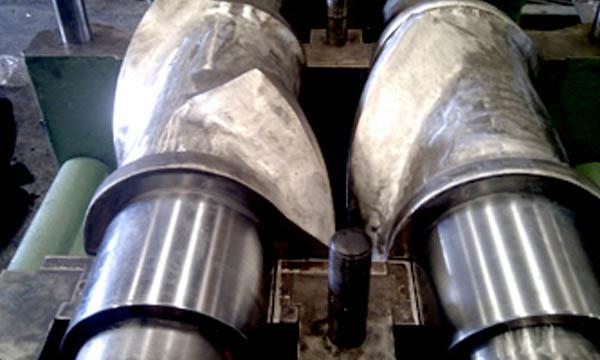 Rellenado de Rotores de Mezclador Interno Comerio Ercole MA 50